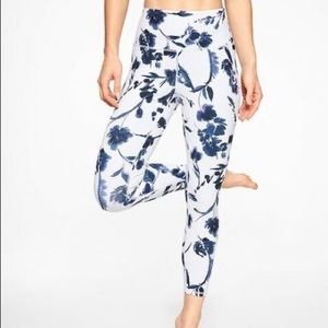 ATHLETA Water Flower 78 Tight White Size Small